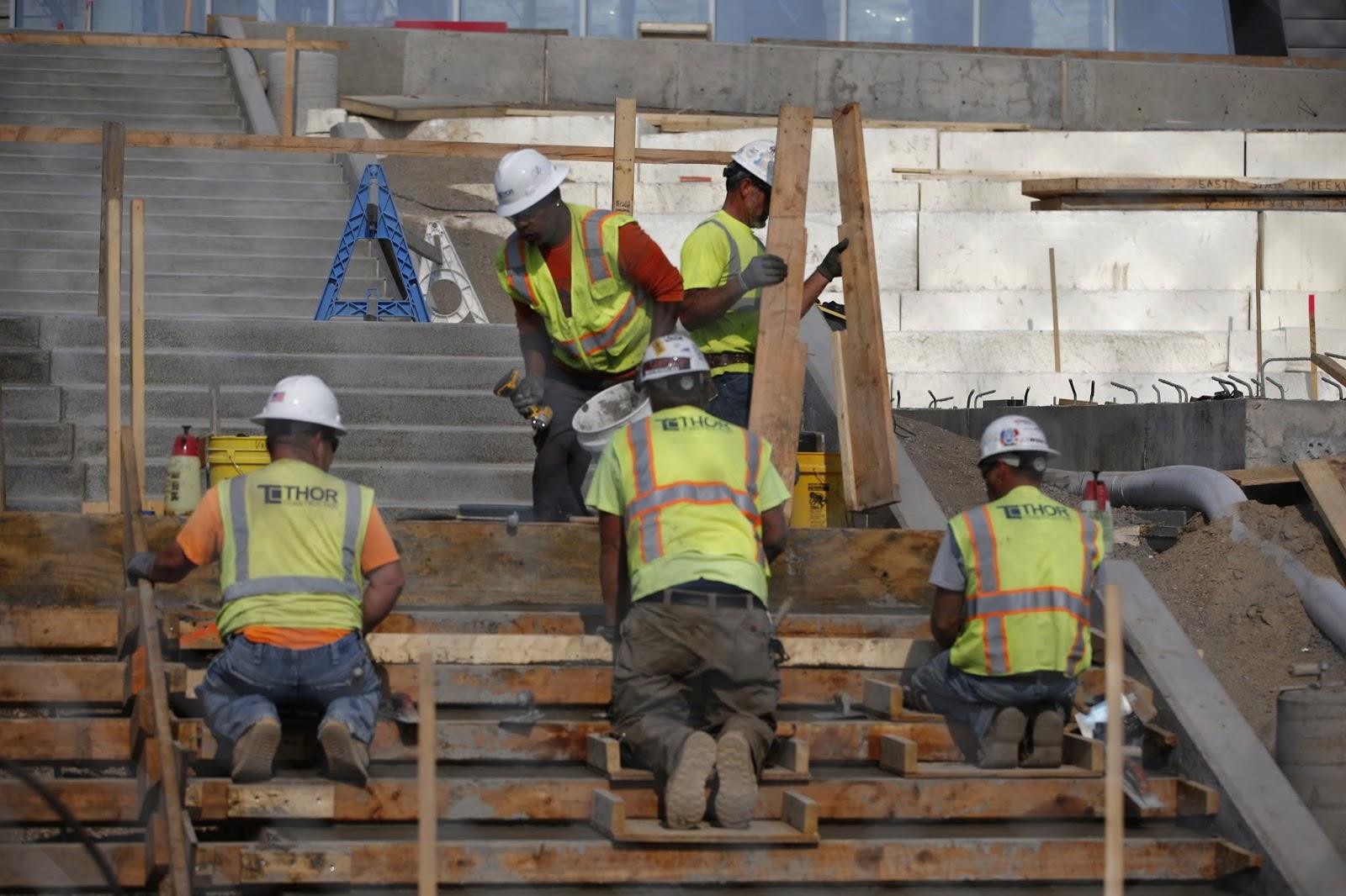 roofer work